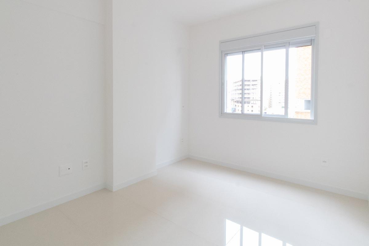 Projeto de interiores de apartamento, fotografia do quarto - antes e depois - BRASA studio